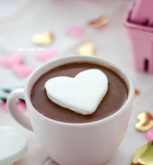 Heart Marshmallow in Hot Chocolate. #ValentinesDay #ValentinesDay #ValentinesDayDessert #hotchocolate #marshmallows