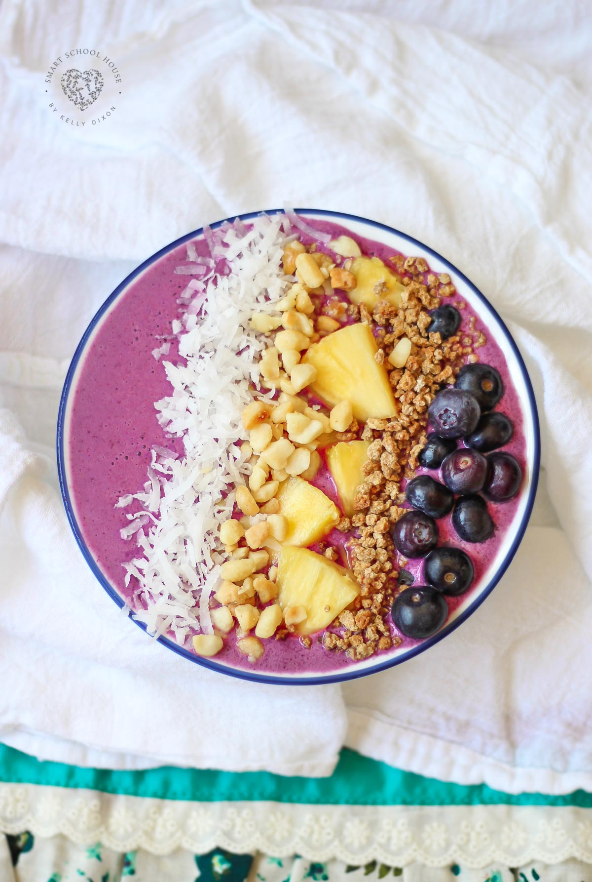 This Tropical Smoothie Bowl is ultra refreshing and delicious. The smoothie bowl is ideal breakfast or lunch and can even be a snack or dessert.