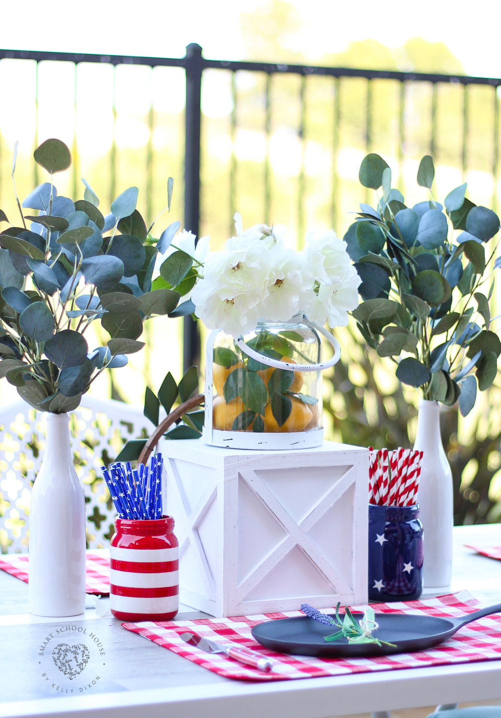 4th of July tablescape and patriotic decorations on a budget #redwhiteandblue #centerpiece #farmhousedecor