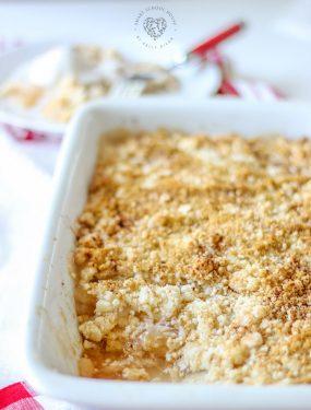 APPLE CINNAMON DUMP CAKE - Made with french vanilla cake mix! Take all 5 ingredients, dump them into a baking dish, and serve it warm with ice cream. This cake disappears in no time!!!! #DumpCake #applecinnamon #applerecipes