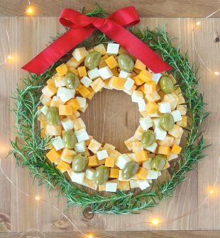How to Make a Cheese Wreath - Use this one easy trick for making a perfect cheese wreath! #CheeseWreath #CheeseAppetizer #ChristmasAppetizerIdea