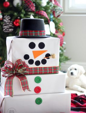Christmas Cardboard Box Snowman - Make Christmas Magical for the kids! #CardboardBoxCrafts #DIYChristmasDecor #ChristmasGiftWrappingIdeas #DIYChristmas