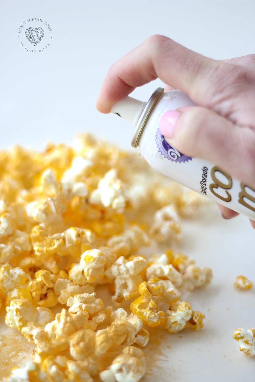 Use gold color mist to make gold popcorn! #Popcorn