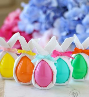 """Give your plastic Easter eggs a """"Wow"""" factor with these easy DIY bunny ear napkins! #Easter #EasterEggs #DecoratingEasterEggs #DIYEasterDecor #EasterCraft"""