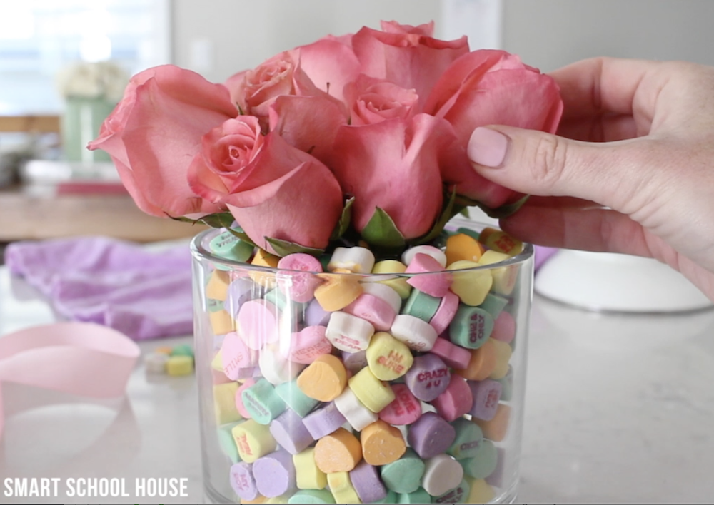 DIY Valentine's Day bouquet using candy hearts!