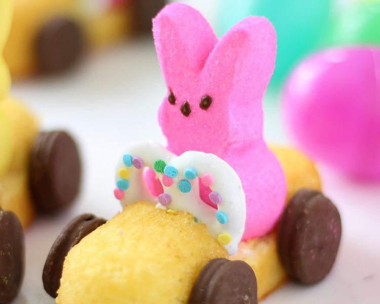 How to make Peeps Race cars for Easter! Beep beep! An easy kids craft idea for an Easter party using Peeps, Twinkies, pretzels, and small Oreos for wheels. #PeepsRaceCars