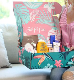 Sign up now for your Summer Box before it sells out!