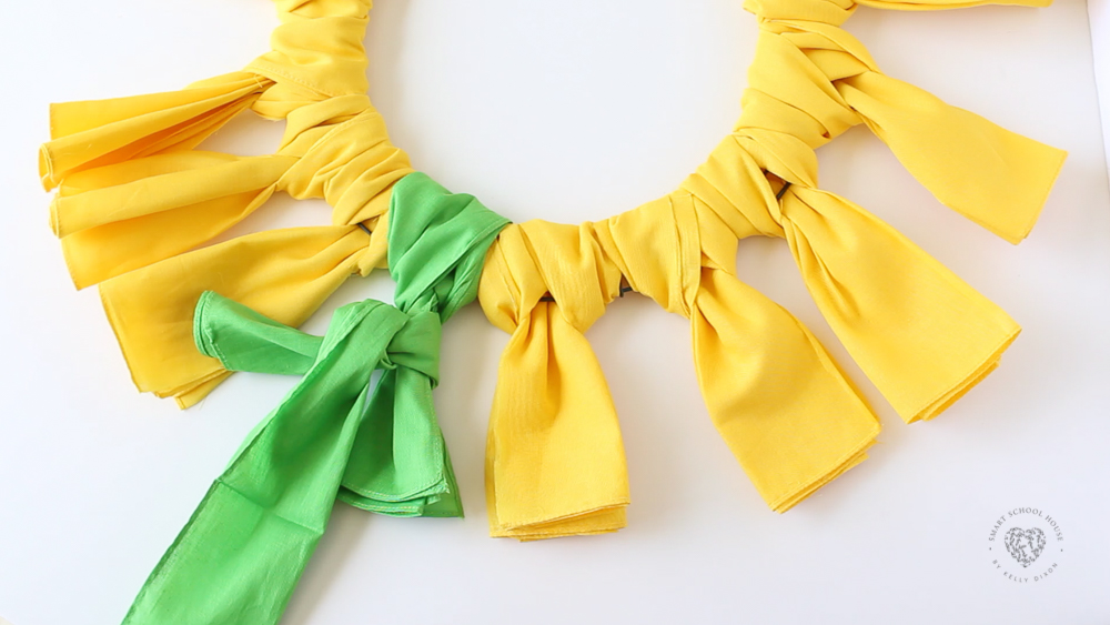 How to make a sunflower bandana wreath
