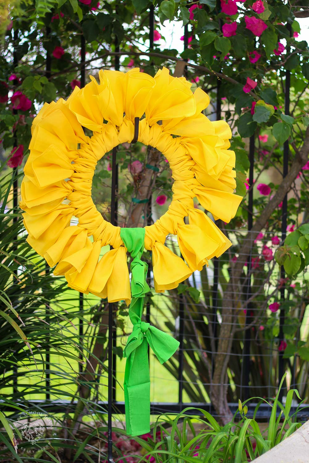 Sunflower Bandana Wreath - A DIY wreath made out of bandanas! Perfect for summer and fall. #BandanaWreath #SunflowerBandanaWreath