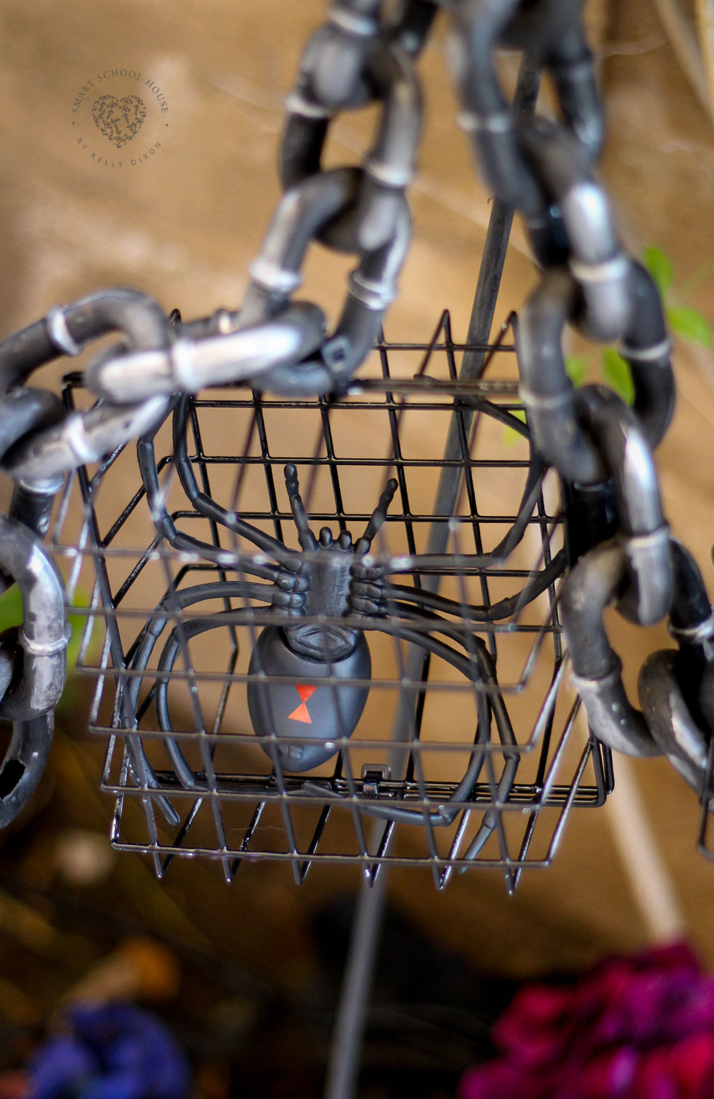 How to make hanging cages for Halloween using baskets from the dollar store!