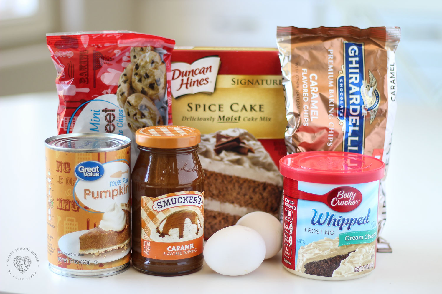 Pumpkin spice poke cake ingredients