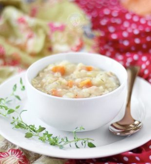 This Creamy Crock Pot Chicken and Rice Soup is a hearty, healthy easy soup recipe that's perfect for cold nights! Loaded with vegetables, lean chicken and rice. This chicken and rice soup is a family favorite! It's healthy, easy to make and kid friendly.#soup#recipe#cooking#dinner#healthy#healthyrecipe#chicken #slowcooker#crockpot