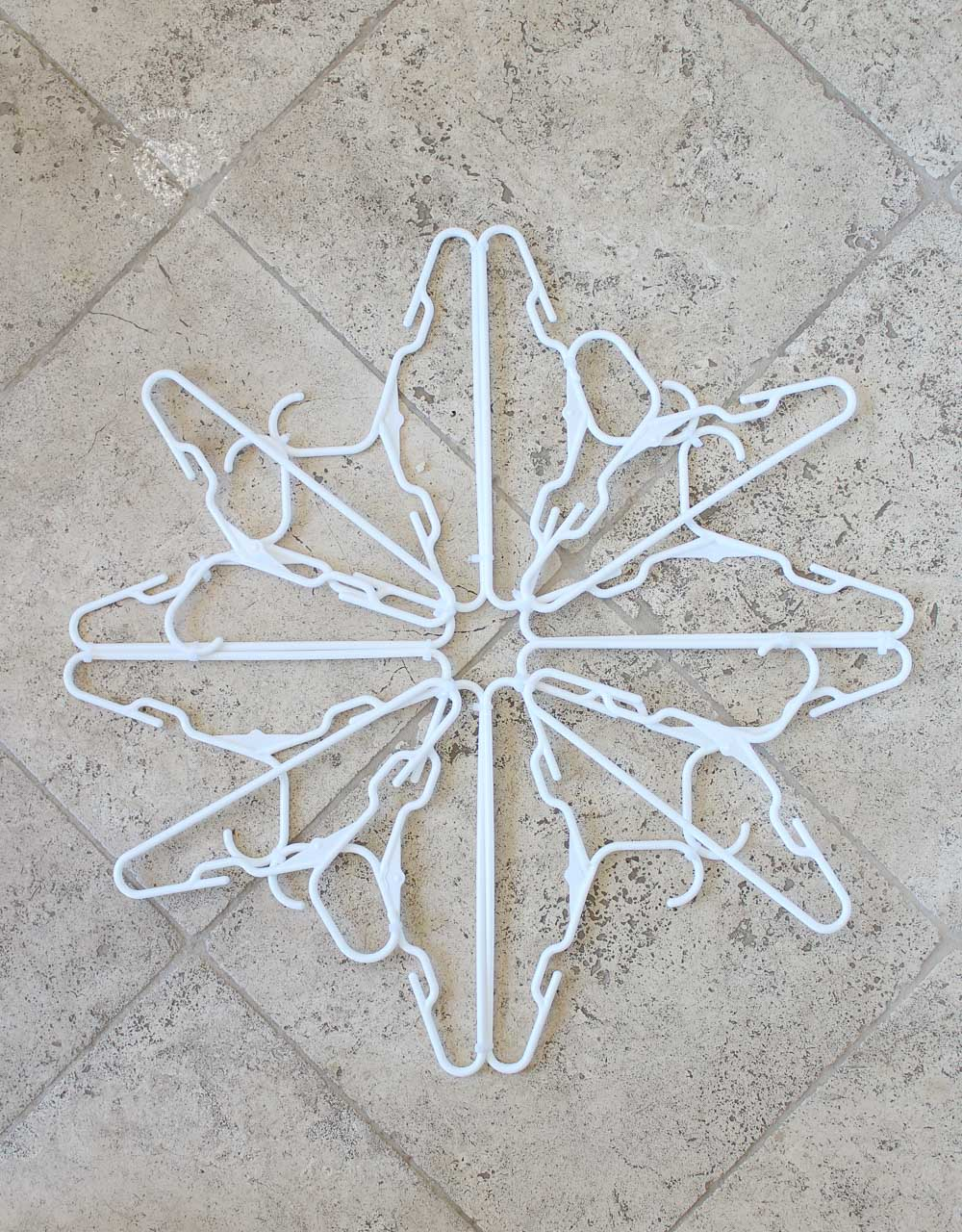 How to make a hanger snowflake