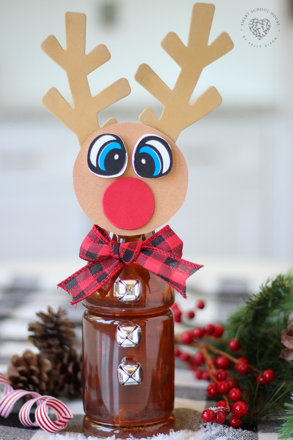 Tea Bottle Rudolph! An adorable reindeer craft idea using a bottle of iced tea.
