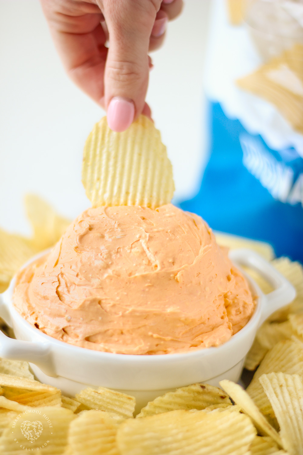 THE BEST POTATO CHIP DIP EVER! Only 4 ingredients!