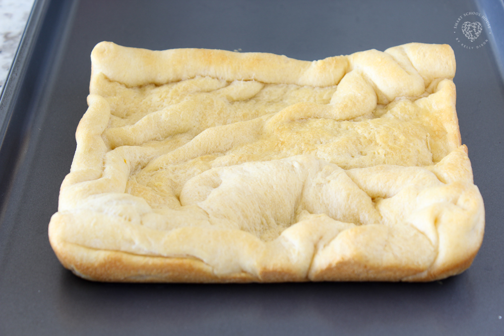 Crescent sheet pizza dough