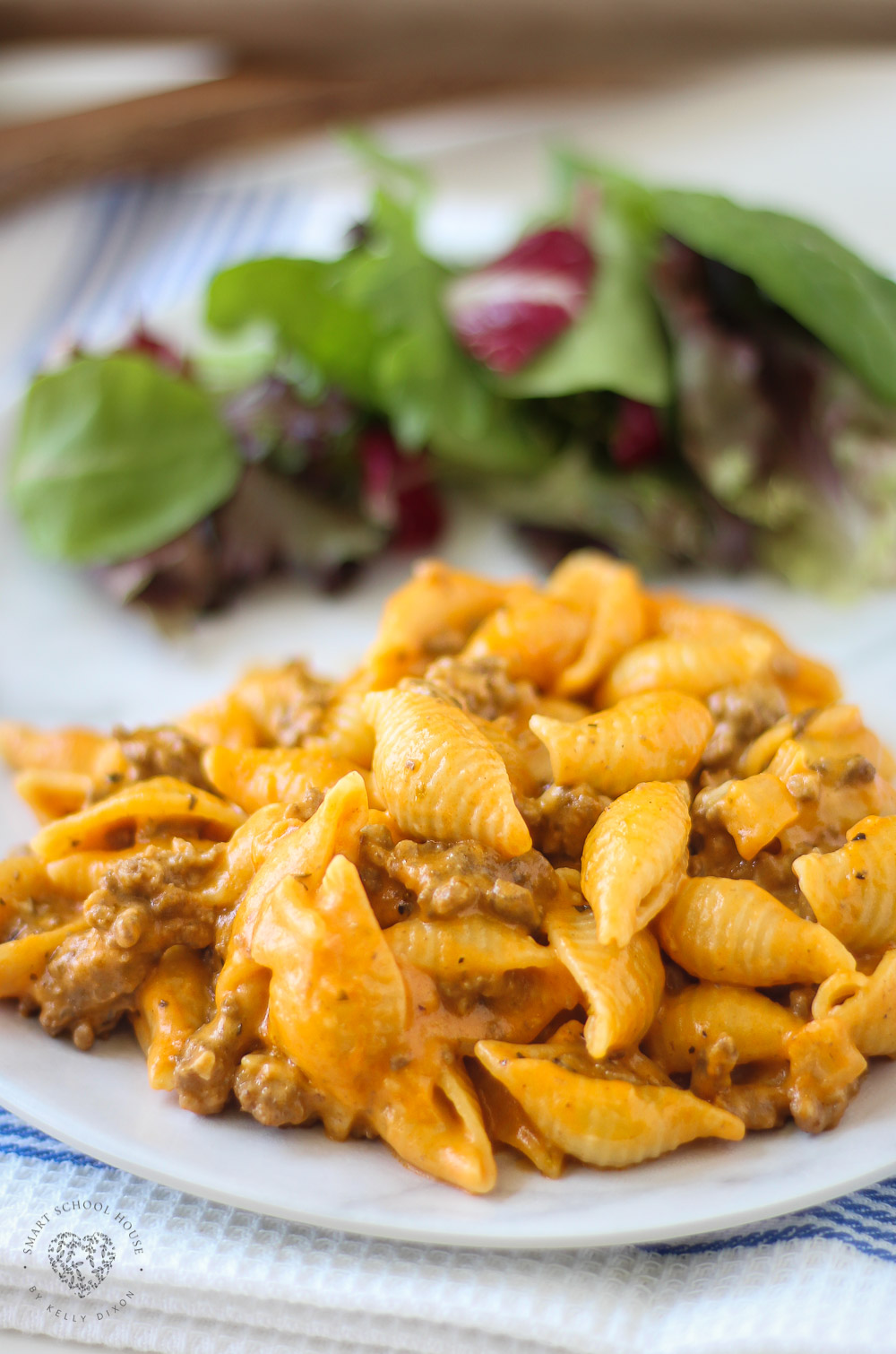 A quick and easy dinner recipe for the family! Creamy, filling, and comforting:) This simple dinner is perfect for busy weeknights, is SO delicious, and is budget friendly. Made with pasta shells, tomato soup, cheese, and some simple seasonings to taste.