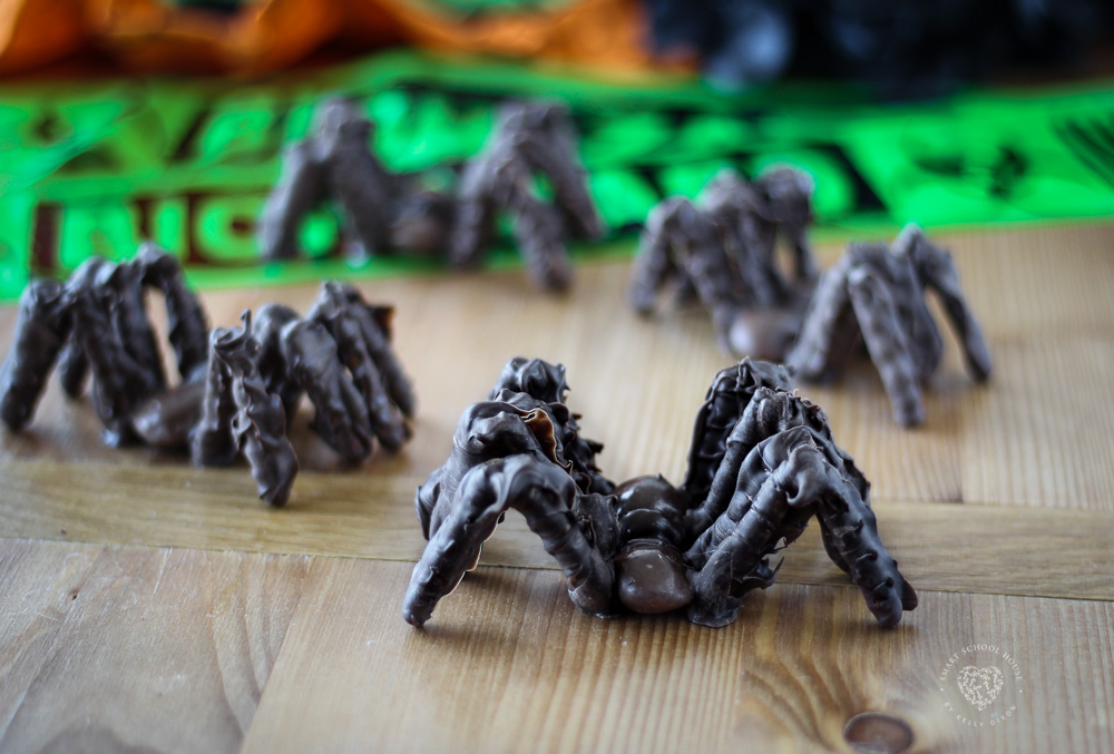 Halloween is the perfect excuse to play with your food, and these Chocolate Tarantulas are an ideal choice! Easy enough for the kids to help make and a tasty sweet-salty mix. They are significant in size, just like a real tarantula, and the chocolate legs make the spiders look hairy (EEEK!!).