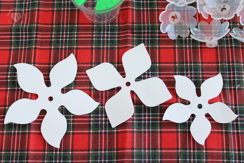 How to Make Paper Poinsettia Flowers