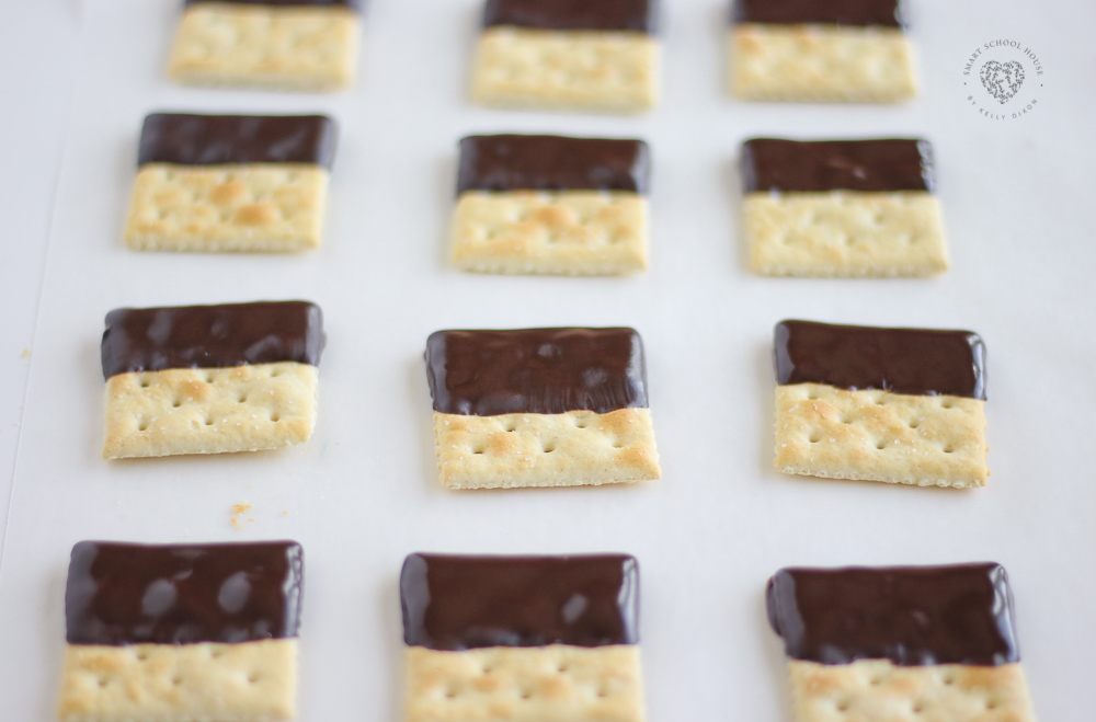 Saltine Crackers Dipped in Chocolate