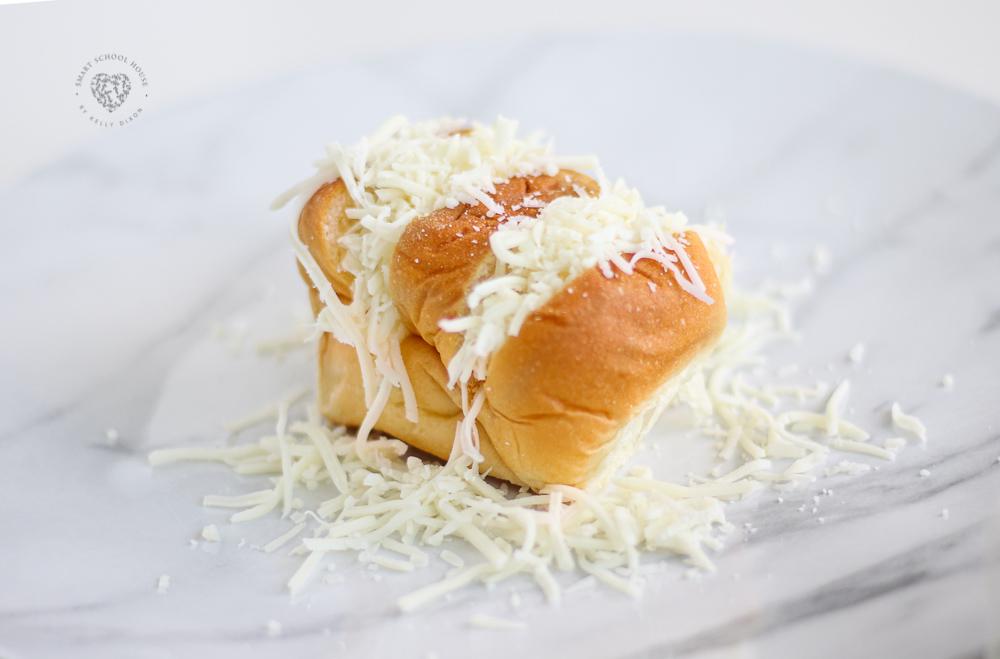 Hawaiian pull-apart garlic bread