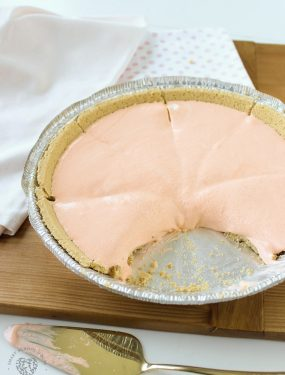 This quick and easy Jello Creamsicle Pie is spring and summer dessert perfection. It can be served softer or fully frozen. It's just so easy and fun to make!