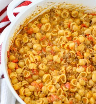 One-Pot Taco Macaroni and Cheese is the perfect easy weeknight meal you need to add to your meal planning menu!