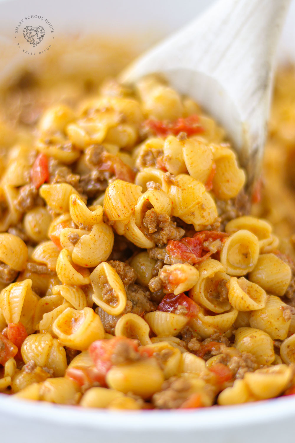 Taco Macaroni and Cheese is the perfect easy weeknight meal you need to add to your meal planning menu!
